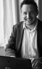 Simon-LinkedIn-Profile-Pic-(633x1024)